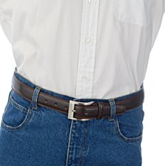 casual leather belt with blue jeans